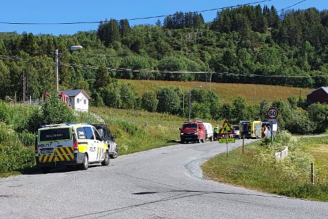 To ungdommer var involvert i mopedulykken på Grytøya søndag formiddag. Alle nødetatene rykket ut.