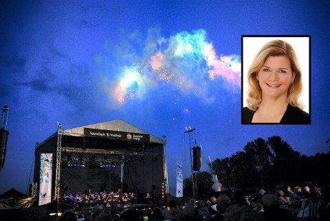 TALKSHOWDRONNING: Arrangøren er helt trygg på at publikum er i de aller beste hender når Anne Lindmo skal lede Fyrverkerikonserten.