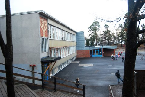 SMITTE: En person ved Lillås skole har fått bekreftet Covid-19. Nå er hele femte trinn sendt hjem i karantene.