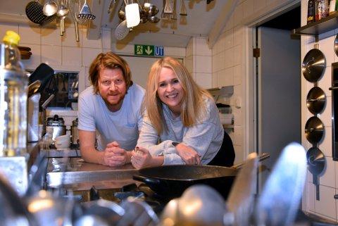 – LIVSVIKTIG: Geir Hagbarth Andresen og Anja Ravndal Thorkildsens Stallen Bodega er en av 72 bedrifter som får støtte av Horten kommune i denne omgang.