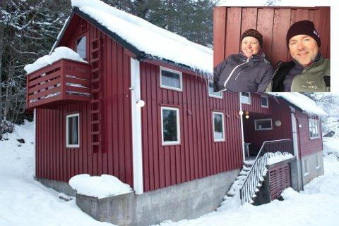 Familien Høyvik Rosnes nyter hyttelivet i den historiske Gjesdalbu.