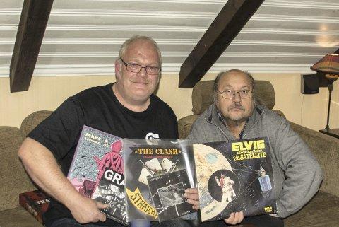 MUSIKKELSKERE: Morten Nilsen (t.v.) og Ruben Edvin Nysether sverger til vinyl. - Selv om det knitrer og skurrer litt, blir lydbildet og musikkopplevelsenen helt annen enn på CD