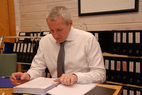 BRED ETTERFORSKNING: Politiadvokat Richard Røed og opp mot ti medarbeidere etterforsker fortsatt den såkalte bankbrikke-saken.