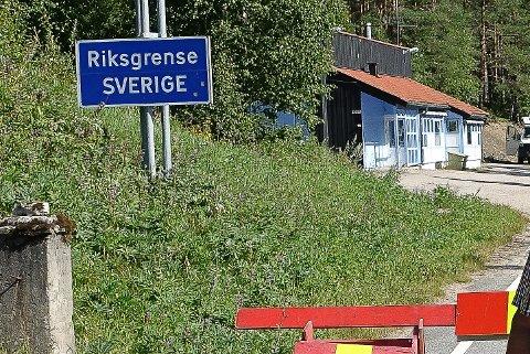 IKKE SOLGT ENNA: Det tidligere tollstasjonsbygget ved Linna er ikke solgt ennå. Men det er mange interessenter.