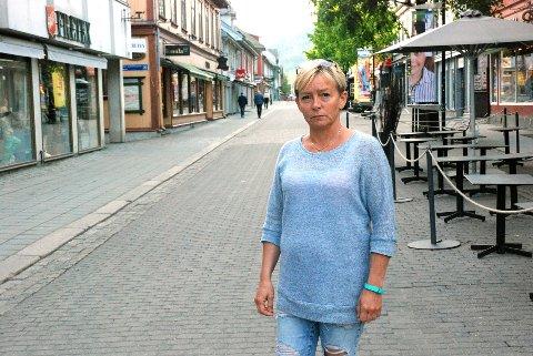 RUNDLURT: Else Wangen og familien ble lurt av en falsk nettside da de skulle bestille visum til Tyrkia. Nå advarer hun andre mot å gå i samme fella.Foto: Karin Doseth