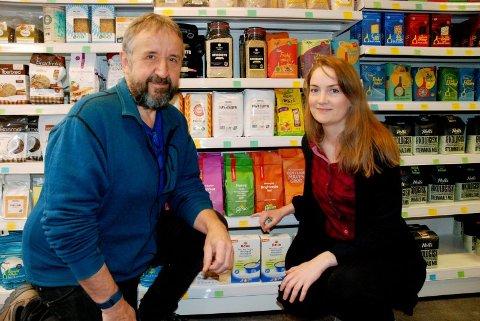 JORDNÆRT: Kristian Viken er innehaver og Hilde Lien er daglig leder på helsekostbutikken Jordnært.