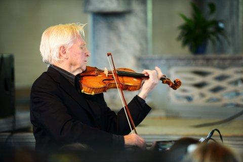Arve Tellefsen har tidligere blant annet vartet opp med musikk av Ole Bull i Sør-Fron kirke.