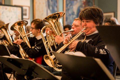 INGRID & CO.: Ingrid Jenstad (t.h.) er Utsiktsbakkens fremste trompetsolist. Klar for jubileumskonserten.