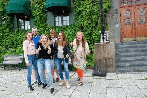 BYFEST: Her er noen av arrangørene, f.v. Lisa Marie Mandfloen (leder) og Kristian Kolstad (nestleder) i Fadderuka, Silje Owrenn, Lillehammer-regionen Vekst, Randi Kirkeby, Høgskolen i Innlandet, Lillehammer, Gro Eva Lyngås Owren og Wenche Haug Almestrand, begge Lillehammer Sentrum Drift AS.