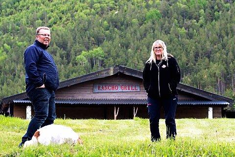 DERES SJUENDE FESTIVAL PÅ RAD: Første gang Geir Ove og Lena Jenny Melbyarrangerte countryfestilaven i Skjåk, var i 2012. Torsdag tar de imot gjester for sjuende pår på rad.