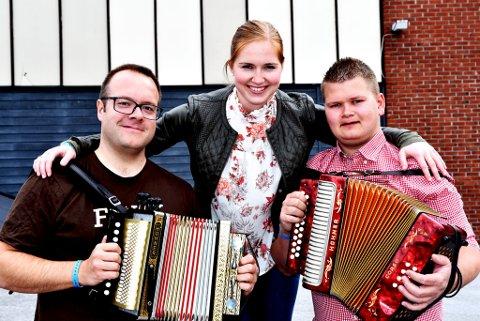 Mari Midtli kan gratulere samspelarane i gruppa Firo, Øyvind Sandum (t.v.) og Mads Erik Odde med første- og andreplass i durspel på årets landskappleik.