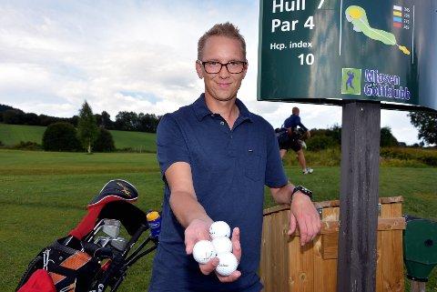 MISTER: Stein Arne er ikke den eneste som har mistet golfballer ved hull 7.