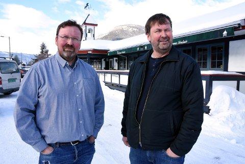 VERSTHUSEIERE: Bjarne og Fredrik Weikle har overtatt som eiere av Vertshuset Sinclair. Fra 22. mars er det klart for full drift her.