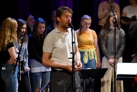 Musikklinja ved Vinstra vidaregåande inviterer til konsert sammen med artisten Aasmund Nordstoga på Inntunet onsdag kveld. .
