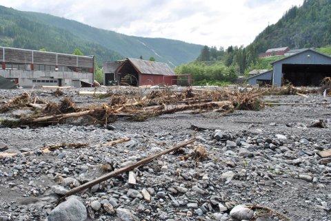Flommen i Dørja har gjort store skader, som her i 2011.