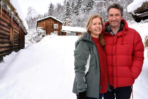 - Som en kjærlighetssorg, sier Ingrid Hartvig Taasen når hun og mannen Harald Taasen nå har lagt eiendommen Øvre Skrukkerud på Fåvang ut for salg.