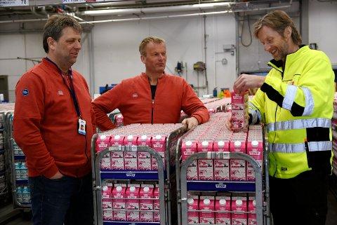 Meierisjef Oskar Aarnes, driftssjef Jon Stensrud, og distribusjonsleder Frode Almås ved Tine Frya skal i gang med effektivisering ved meieriet, for å møte kravene om kostnadskutt i Tine-konsernet.