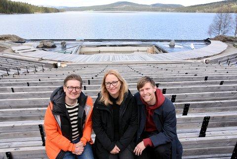 - Det er Gålå som er stjerna, sier den nye Peer Gynt- regissøren Marit Moum Aune,  som søndag viste fram den nye scena på Gålå, sammen med koreograf og danser Silas Henriksen (t.h)  og komponist Erik Hedin.