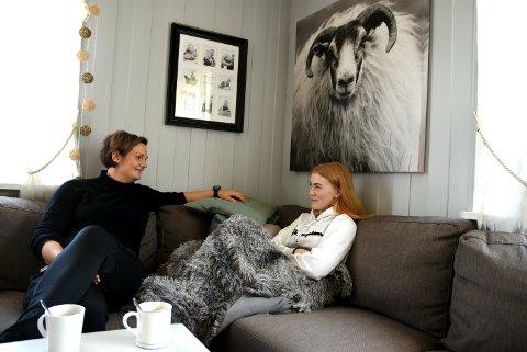 Camilla Nystuen i Sør-Fron ble fostermor for Lise Olivia Aspen Øhvall. for fem år siden. - Jeg hadde  ledig rom - og selvsagt var det plass for Lise, sier Camilla.
