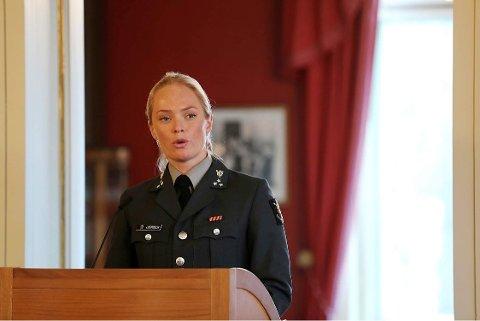 STATSMINISTERBOLIGEN: Therese holdt tale hos Statsministeren på kvinnedagen i fjor.