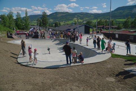 Det har vært mye jobb og mange sene kvelder på Fron Trasher Team. Nå har betongparken endelig åpnet.