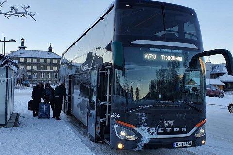 Nå skal denne bussen også stanse på Ringebu.
