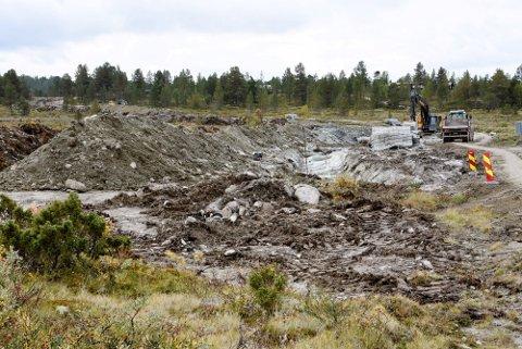 Utbygging av vann- og avløpsnett på Kvamsfjellet har ført til rettssak mellom Nord-Fron kommune og en hytteeier. Nå har dommen falt i saken.