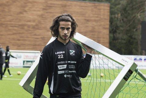 TENKER: Durim Muqkurtaj har kontrakt ett år til med Hønefoss BK, men er i tenkeboksen.