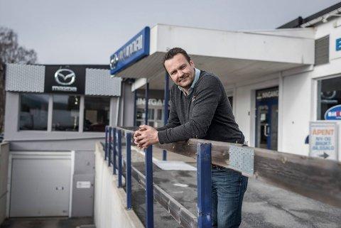 Anders Larsen, daglig leder hos Brænden motor i Hønefoss.
