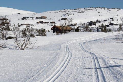 FINEFORHOLD I HØYDEN: Løypesjef i Siforeningen, Hege Sheriff, forteller at det fremdeles er fine skiforhold i høyereliggende strøk. Foto: Erik Johansen / NTB scanpix