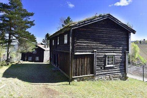 LØP OG KJØP: For 4200 kroner kan dette huset fra 1650 kanskje bli ditt.