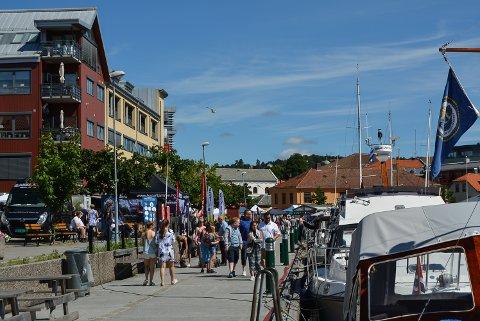 Sydenstemning i Halden under Mat- og havnefestivalen.