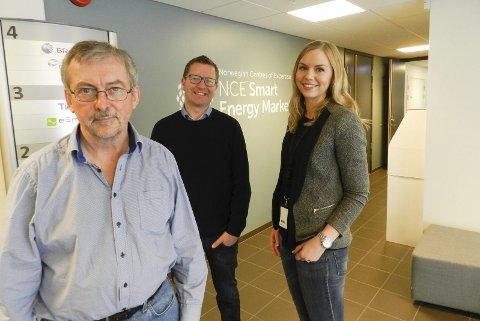 Forskningssuksess: Direktør Dieter Hirdes, Ole Gabrielsen og Mette Magnussen kan glede seg over at Smart inovation har fått millioner. Foto: STEINAR OMAR ØSTLI