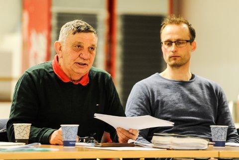 Jens Lindstrøm (tv) tok gjenvalg som leder i Halden Idrettsråd, og får med seg Erlend Lund som nestleder.