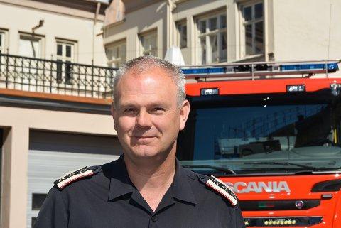 Brannsjef Ole Christian Torgalsbøen er svært glad for at de kan bidra med utstyr til redningsaksjonen på Gjerdrum. Arkivfoto.