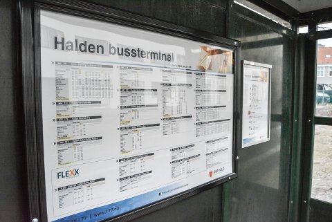 TIL KALNES: Seks prosent flere velger å ta bussen fra Halden til Kalnes første halvår i år enn første halvår i fjor.