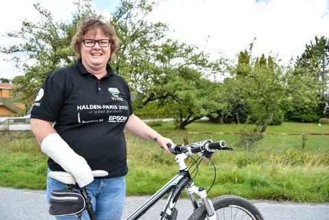 I MÅL FOR ANDRE GANG: Anette Woldheim Hansen syklet hele Grenserittet i både 2016 og 2017. Tidligere har hun gjennomført Grenserittet Midt flere ganger. – Jeg syns det bør legges enda bedre til rette for vanlige mosjonister, sier hun.