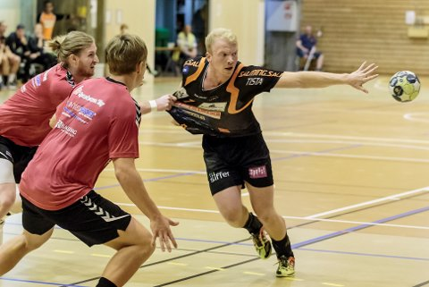 GODE TAKTER: Trym Bilov-Olsen var god for Halden, som spilte 24-24 mot Mors/Thy.