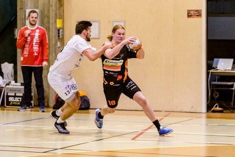 TILBAKE: Etter en sesong som spillende trener i TTIF, er Truls Erik Grøtta tilbake i Halden Topphåndball.