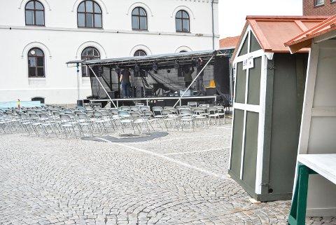 MUSIKK OG MARKED: Det blir både underholdning fra scenen og markedsstemning fra bodene på Torget under FredrikshaldFest.