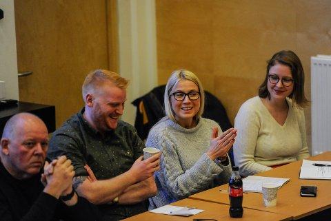 Idrettens høstkonferanse 2019. God stemning mellom Fredrik Holm (H) og Linn Laupsa (Ap) her, men den politiske debatten ga tilhørerne få klare svar.
