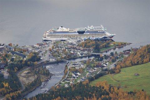 Det vart rekordår for sommarhandelen i Eidfjord i 2020. I Ullensvang stod sommarhandelen for 22,2 prosent av årsomsetnaden.