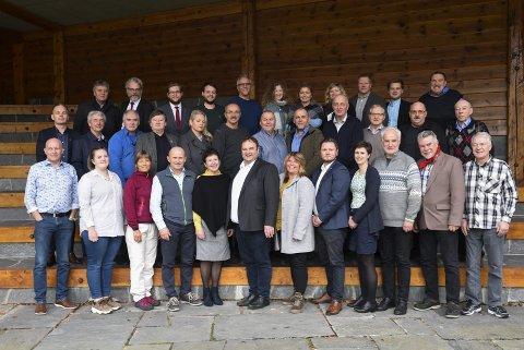 Kommunestyret: I Ullensvang kommunestyre er det Håkon Kvammen (KrF), Roald Aga Haug (Ap) og Eivind Tokheim (V) som ligg på inntektstoppen. Foto: Eli Lund