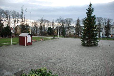 STÅR TOM: Det blir ikke julemarked på Rådhusplassen i år. ARKIVFOTO: Marthe Synnøve Johannessen