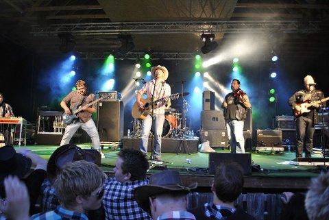 COUNTRY:  Gunslingers er et av bandene som opptrer under countryfesten på Scandic Maritim lørdag.