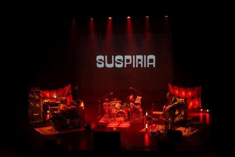 """SKREKKKONSERT: Ring van Möbius holdt konsert mens filmen """"Suspiria"""" ble vist på lerret under Tysvær skrekkfest i 2018."""