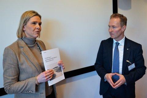 RAPPORT: Gassco-sjef Frode Leversund overleverte rapporten til Sylvi Listhaug denne uka.