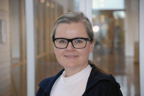FØRE VAR: Skolesjef Gjertrud Elise Røvær forteller at chatten stenges for å forebygge uheldige meldinger.