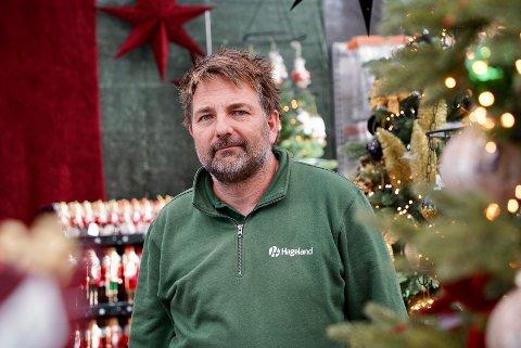 TIDLIG UTE: Daglig leder ved Hageland Karmsund, Asle Serigstad, var ekstra tidlig ute i år for å bestille inn årets julepynt.