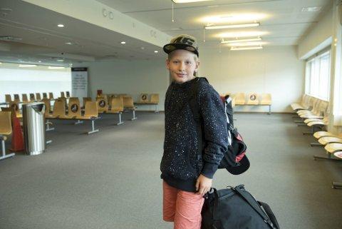 Jakob på 11 år er klar for avreise. Han skal reise med sine tyske besteforeldre til Erfurt i Tyskland, via Danmark.